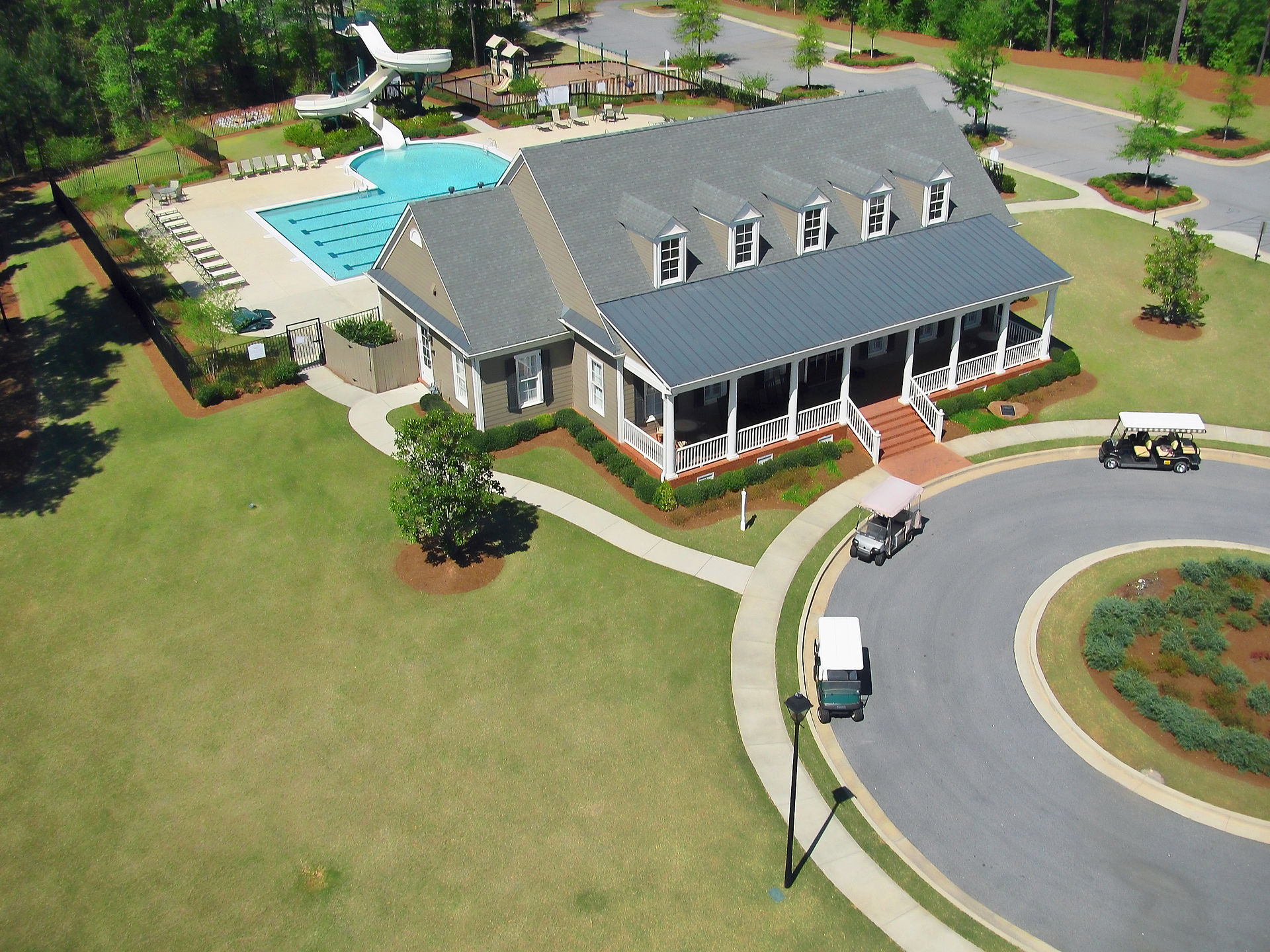 Centennial_clubhouse_in_Peachtree_City,_Georgia