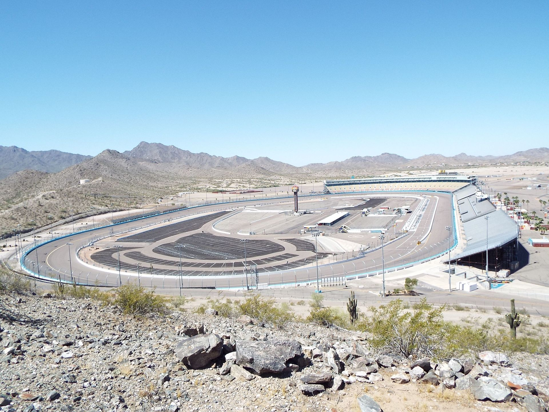Avondale-Phoenix_International_Raceway