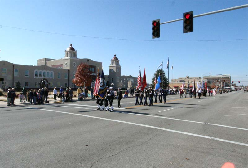 Veteran's_Day_parade,_Ponca_City,_Oklahoma