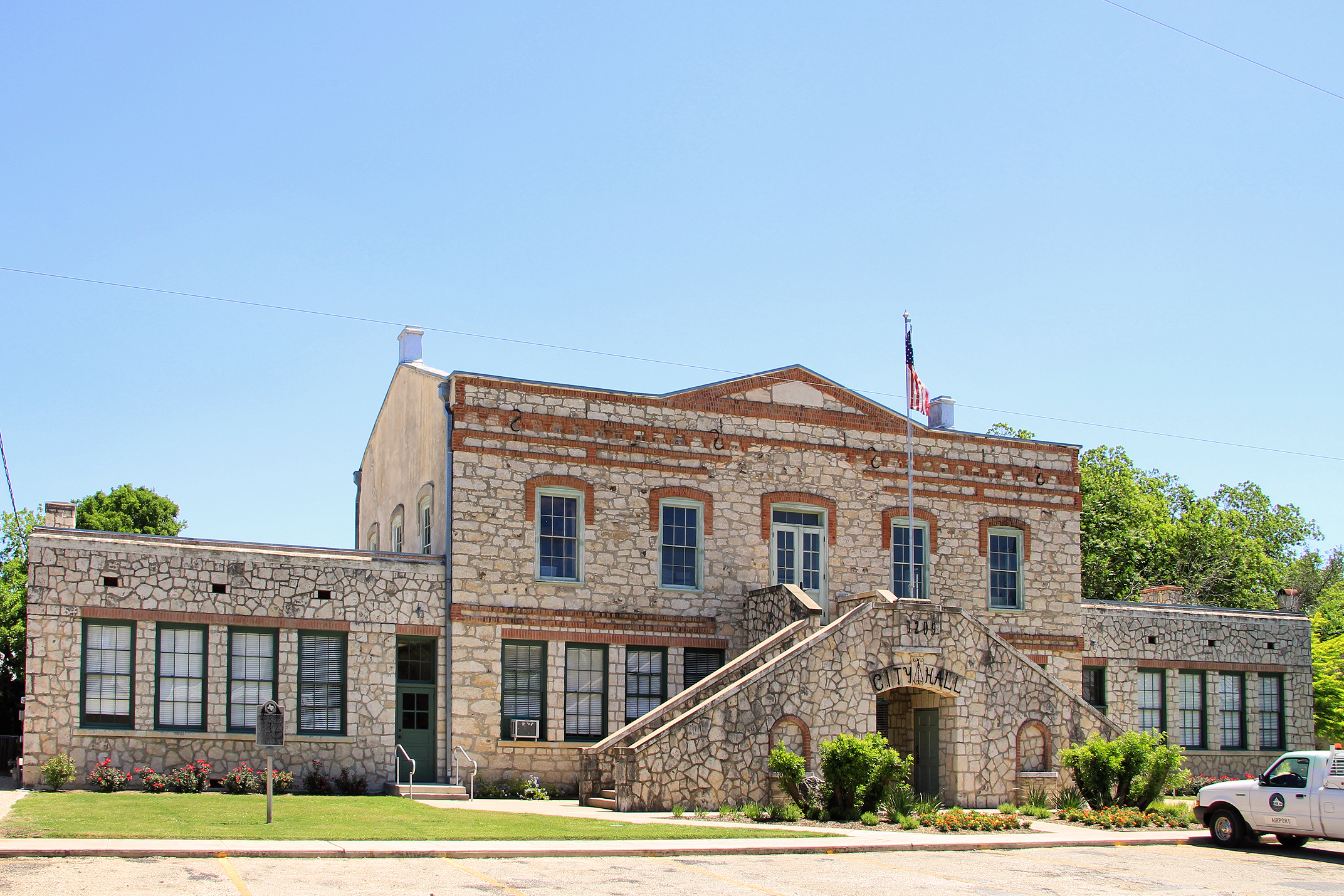 castroville_city_hall_2013
