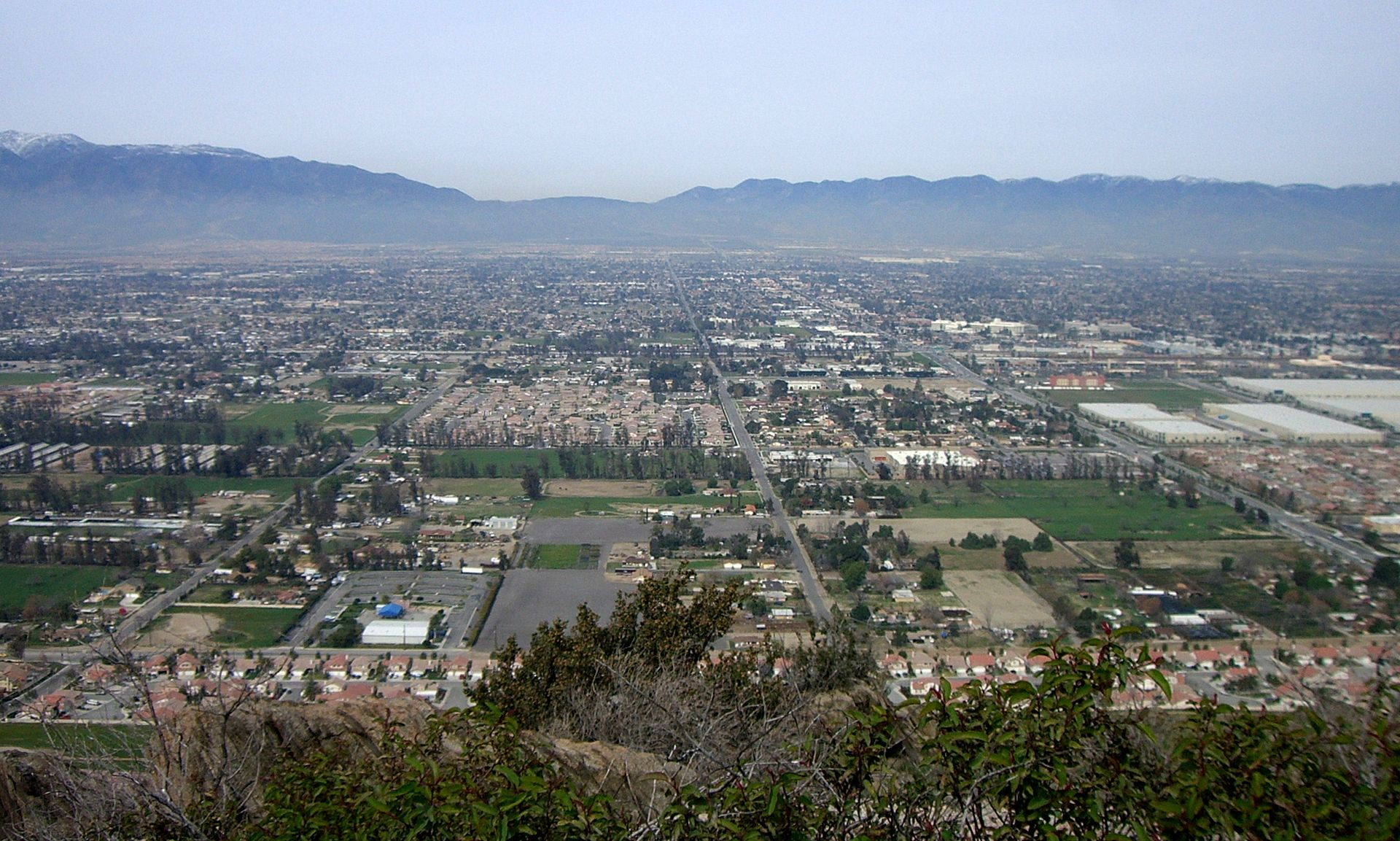 Fontana_California_Overview
