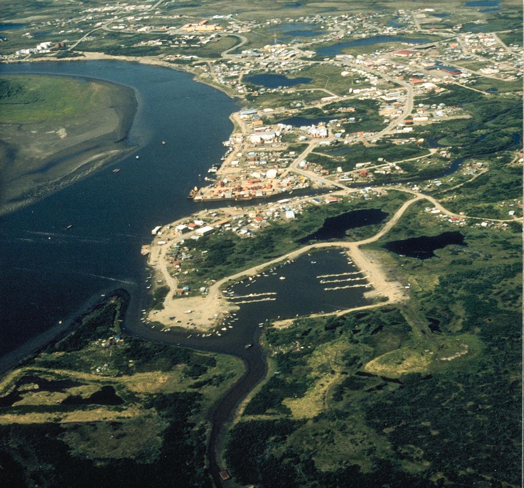 1024px-Bethel_Alaska_aerial_view